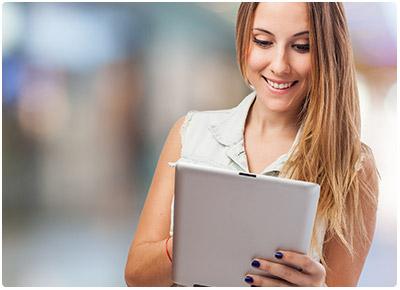 vendedora com tablet